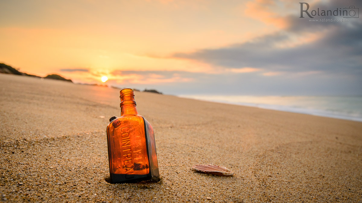 Cointreau-bottle-beach-rolandino.com-3942